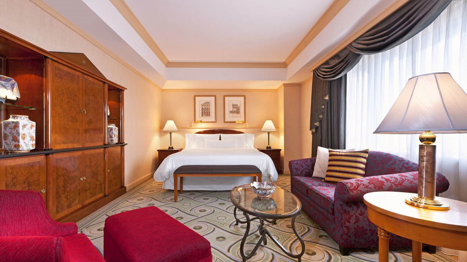 Executive Suites - Bed Room
